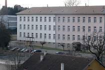 Objekt bývalých Pražských kasáren v Benešově.