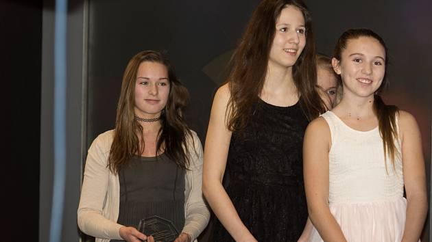 Starší žákyně SKP Judo Benešov skončily na vyhlášení Sportovce roku 2015 na Benešovsku na čtvrtém místě v kategorii družstev mládeže.