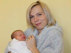 Manželům Monice a Martinu Hroudovým z Tehovce se 19. října v 10.53 narodila malá Veronika. Na svět přišla s váhou 3,12 kilogramu a mírou 47 centimetrů. Doma má brášku Vašíka (7).