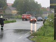 Zaplavená silnice II/150 v Jankově.