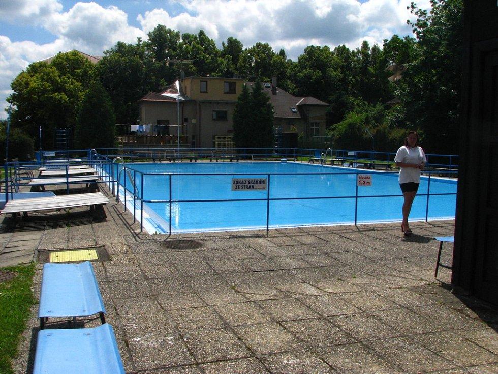 Benešov, bazén v Dukelské ulici