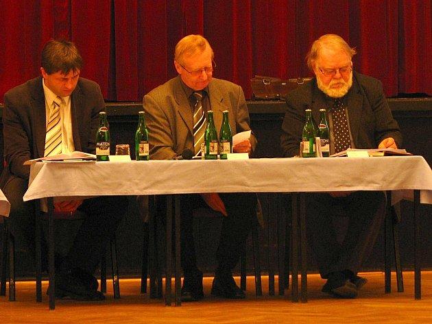 Vedení Benešova, Roman Tichovský, Petr Kouba a Jaroslav Duras.