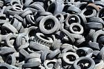Bývalá továrna na zpracování starých pneumatik u Bělčic 31. července 2020.