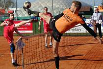 Souboj nejlepších hráčů extraligového utkání Šacungu s Karlovými Vary, hostujícího Dana Putíka s domácím Jiřím Doubravou.