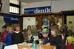 Benešovští školáci ze ZŠ Jiráskova bádali v redakci Benešovského deníku, jak vznikají noviny