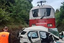 Tragická dopravní nehoda na železničním přejezdu u Heřmaniček v úterý 4. srpna 2020.