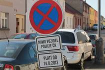 Od příští středy 14. srpna platí po východní straně ulice K Pazderně zákaz zastavení.