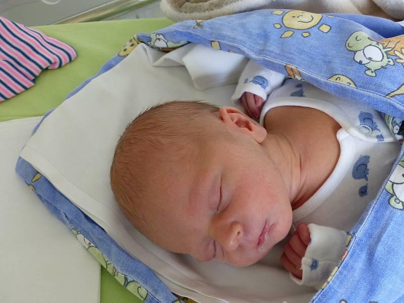 Ondřej Holfeuer se narodil 19. července 2021 v kolínské porodnici, vážil 2990 g a měřil 51 cm. V Kolíně ho přivítali sourozenci Dan (21), Zuzana (18) a rodiče Lenka a Ondřej.