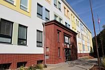 Základní škola Sídliště ve Vlašimi. Letos tam dokončí práce na půdní vestavbě.