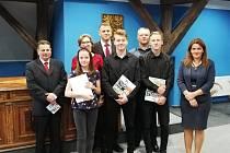Setkání mladých umělců a jejich kantorů s vedením votické radnice.