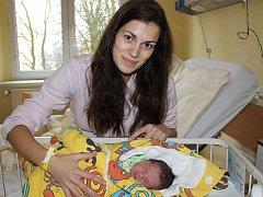 Veronika a Michal Strebeľovi přivítali ve středu 20. prosince na světě malého Vojtěcha. Po narození vážil 3810 gramů a měřil 51 centimetrů. Doma v Břežanech už na něj čekají Katuška (4.5) a Vašík (2,5).