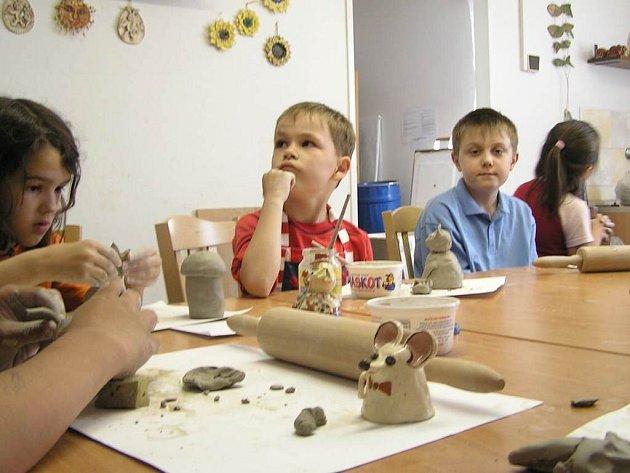 Benešovský  dům dětí a mládeže ve středu nabídl pro každého šikovného školáka něco