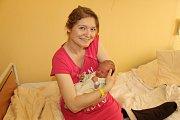 Malý Samuel Janda se narodil 10. května v 6.13. Po narození  chlapeček vážil 3 330 gramů a měřil 51 centimetrů. Jeho rodiče, Silvie a Petr Jandovi, se těší, až si ho odvezou domů do Dolních Jirčan.