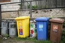 Poříčí je třetí obcí v ČR, kde mají obyvatelé u svých domů popelnice na papír a plast.