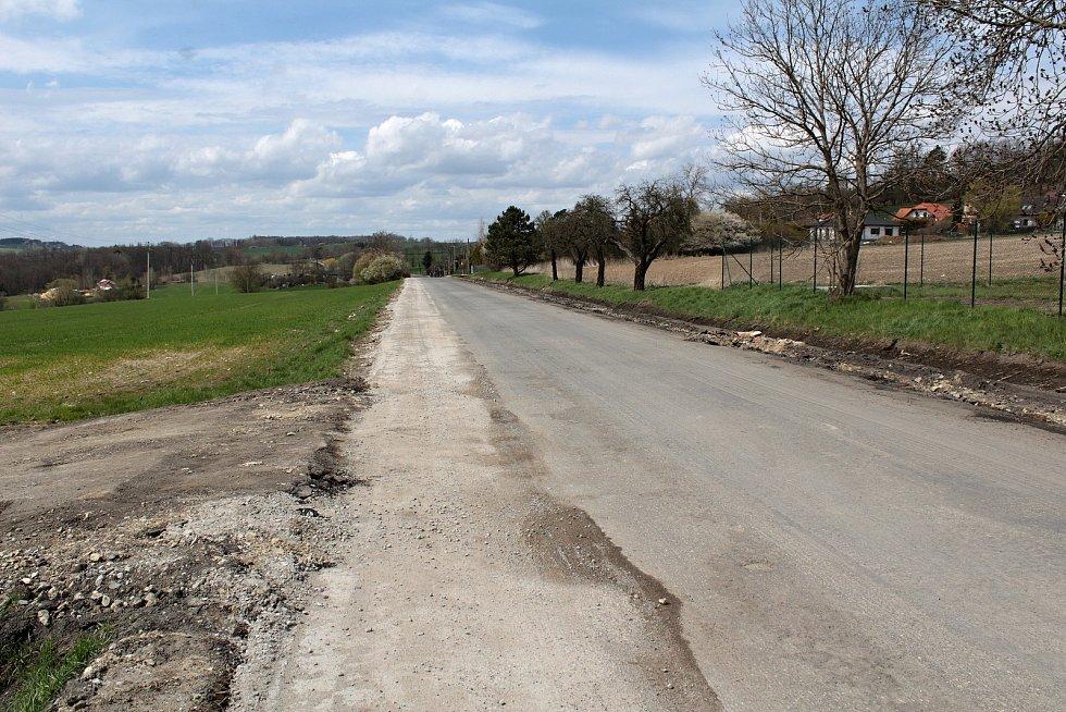 Rekonstrukce silnice II/112 u Chotýšan.