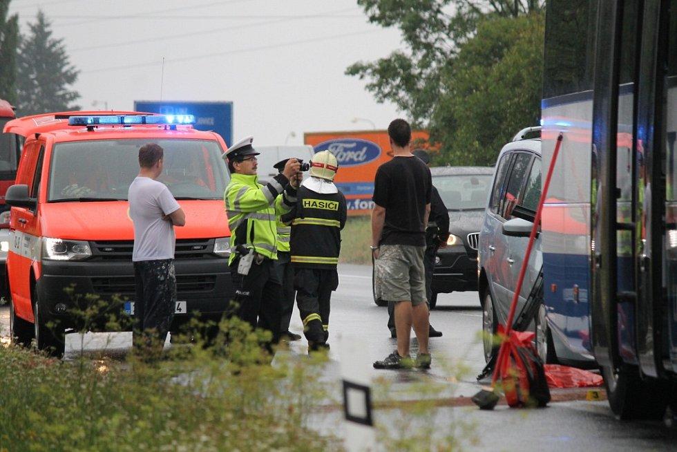 Nehoda tří vozidel u Benešova komplikovala dopravu.
