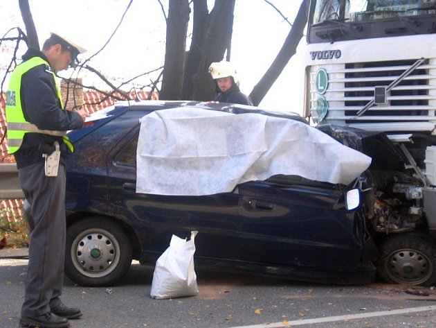 Ilustrační foto: Smrt řidiče u Miličína vloni v říjnu zapříčinila také únava