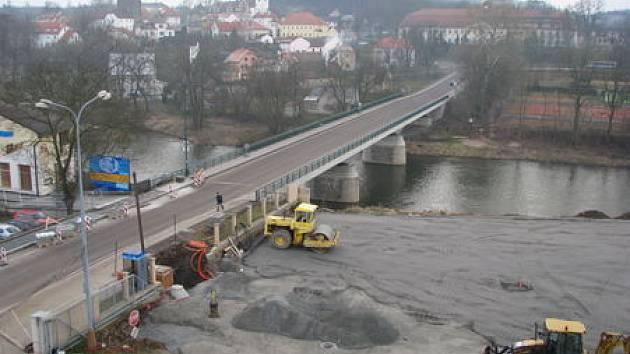 Dotace můžou sloužit i k opravám mostů. Ilustrační foto
