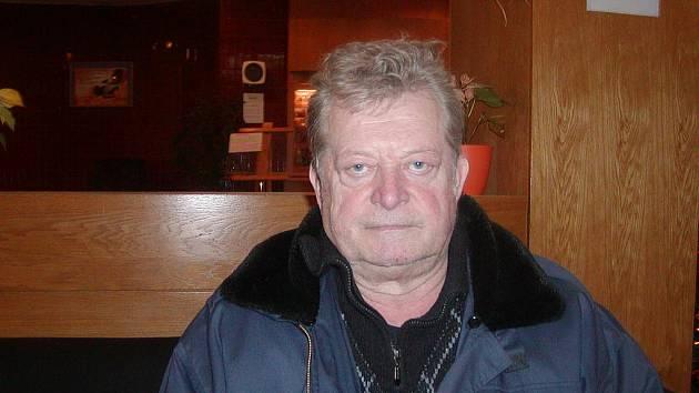 Dálkový plavec Jan Novák.