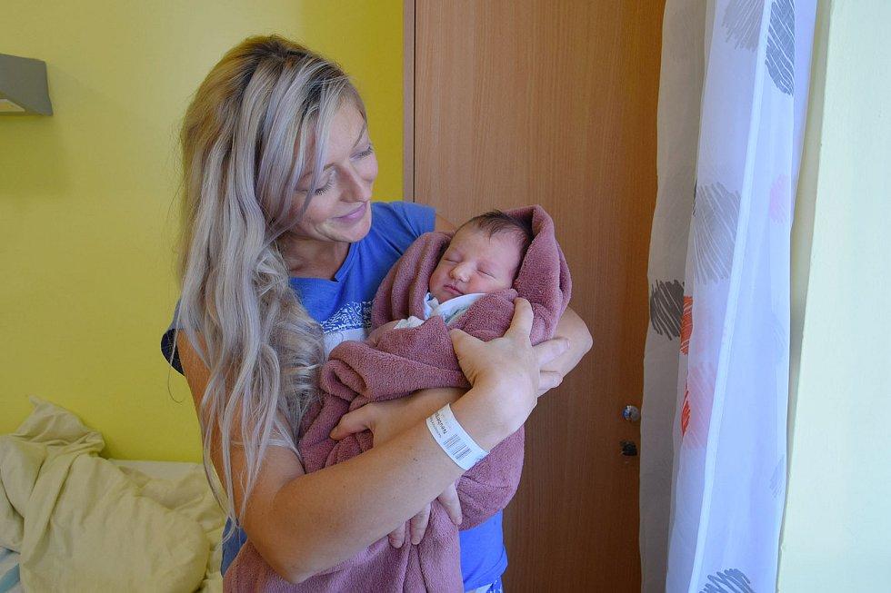 Sára Daňková se Aleně Neubergové a Vojtěchu Daňkovi narodila v benešovské nemocnici 3. září 2021 v 15.13 hodin, vážila 3570 gramů. Doma v Řimovicích ji čekal bratr Tomáš (3).