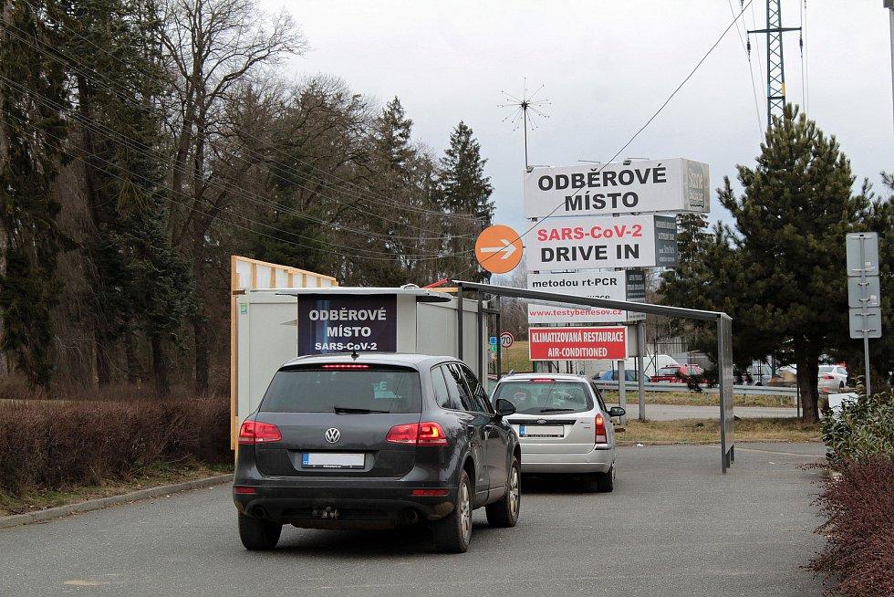 Odběrové místo najdou zájemci také poblíž benešovského fotbalového stadionu.