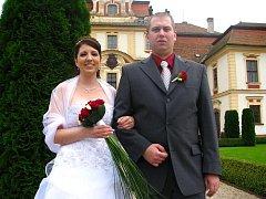 Zuzana Fojtíková a Petr Okleštěk z Jemniště zamířili domů do Rudné u Prahy.