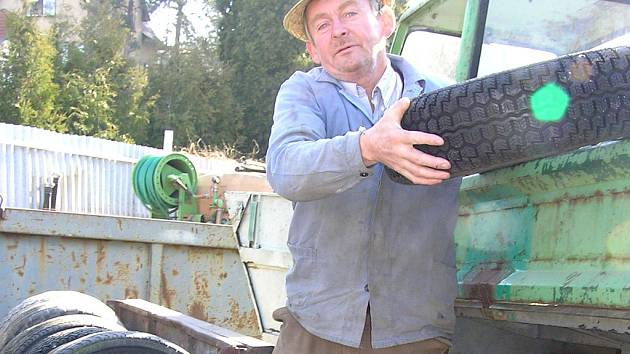 Staré pneu odevzdal i Miroslav Ťažký.