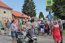 Před třemi roky obyvatelé Olbramovic blokovali silnici asi čtvrt hodiny.
