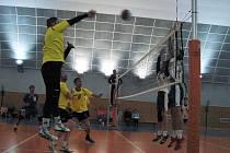 Volejbalisté Benešova si snadno poradili s Kolínem.