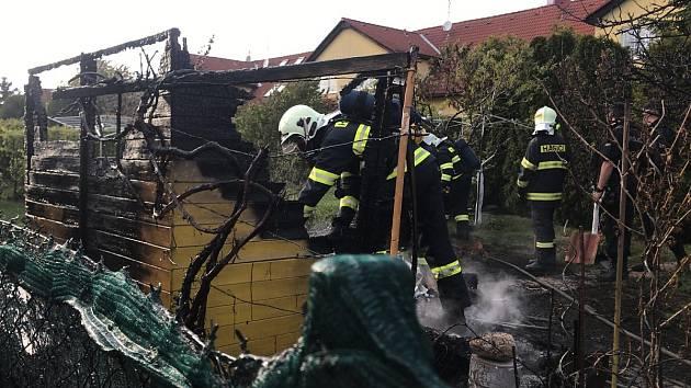 Požár zahradního domku v obci Zvole.