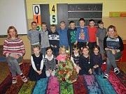 Žáci z 1. třídy ze ZŠ Jankov s třídní učitelkou Markétou Dusilovou a asistentkou pedagoga Lucií Šulcovou.