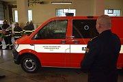 Obměnit záchranné auto umožnily hasičům příspěvky z regionu