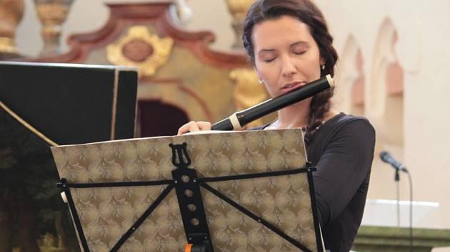 Na prvním ročníku Načeradeckého hudebního léta vystoupila i Petra Žďárská  (cembalo) a Michaela Ambrosi (flétna).