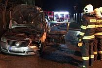 Požár osobního auta v Říčanech 14. ledna 2020.