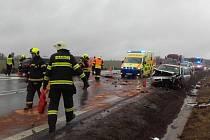 Tragická dopravní nehoda se stala na silnici 1/3 u obce Mezno.