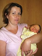 V Krusičanech přivítali v pátek 10. července nového občánka. Manželům Janě a Petrovi Doležalovým se v rovné tři hodiny odpoledne narodil první syn Jan. Po porodu vážil 2,63 kg.