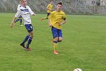 Benešovská sedmnáctka pod vedením Ladislava Dvořáka (ve žlutém) porazila Kladno.