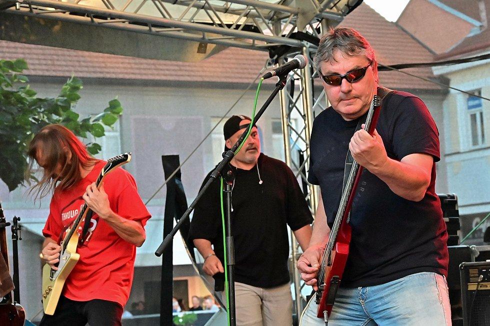 Z vystoupení kapely Kabát Revival na Benešov City Live 2021.