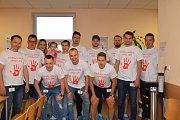 Darování krve podpořili hokejisté z Benešova.