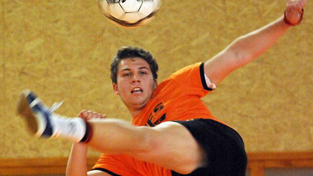 Jedním z extraligových debutantů Šacungu Benešov v utkání s Čakovicemi byl dorostenec Tomáš Sekera.