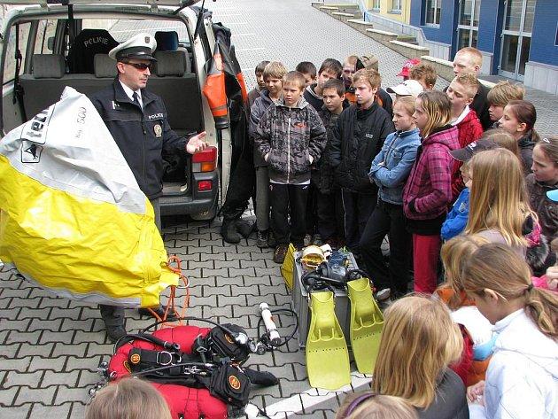 Den s Ajaxem v ZŠ Dukelská.
