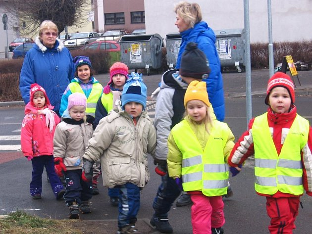 Ilustrační foto: Správné přecházení silnice se učí každý rok děti v mateřských školkách