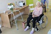 Oslava devadesátých narozenin Marie Říhové v benešovské nemocnici.