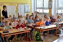 Základní škola v Dolních Kralovicích na jaře roku 2020.
