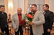 Obrazy Jana Dvořáka mohou zájemci ve Vlašimi zhlédnout až do 29. října.