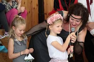 Projektový měsíc v Základní škole v Chotýšanech na téma první Československá republika vyvrcholil prezentací žáků před rodiči a prarodiči.