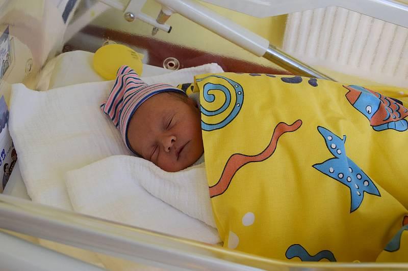 Martin Křížek se Pavlíně Drábkové a Lukáši Křížkovi narodil v benešovské nemocnici 24. září 2021 ve 3.49 hodin, vážil 3000 gramů. Bydlištěm rodiny je Hostišov (Votice).