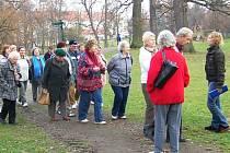 Služeb IC včetně prohlídkového okruhu zámeckým parkem využívají nejen turisté, ale třeba i místní spolky, například senioři z klubu důchodců