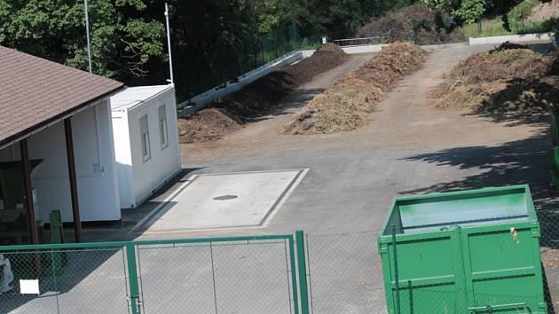 Votická kompostárna u silnice do Arnoštovic funguje pro obyvatele města a osad bezplatně.
