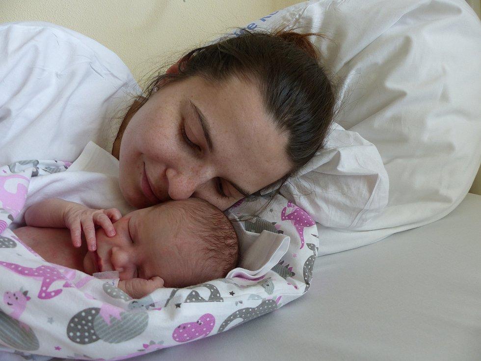 Vanesa Halmová se narodila 31. března 2021 v kolínské porodnici, vážila 2760 g a měřila 47 cm. V Hradišťku I bude vyrůstat se sestřičkou Viktorií (2) a rodiči Veronikou a Vlastimilem.